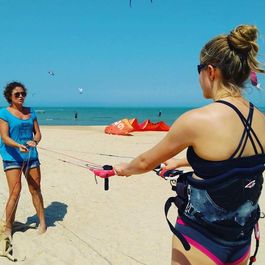 kitecamp for women, kitesurfing lessons for groups of girls