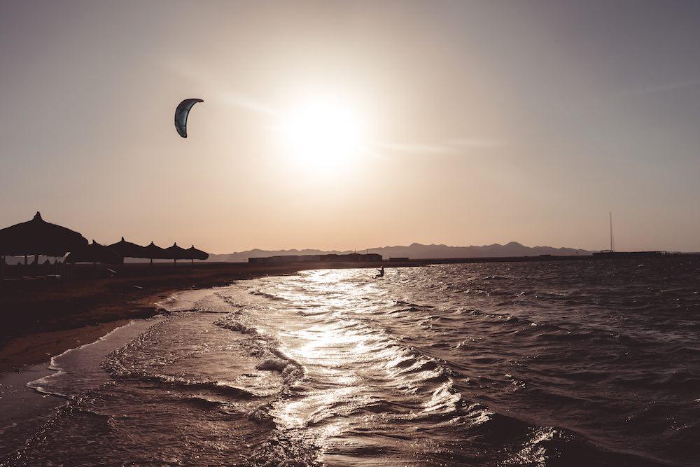 kite girl kitesurfing el gouna