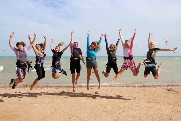 kite girls women kitesurfing